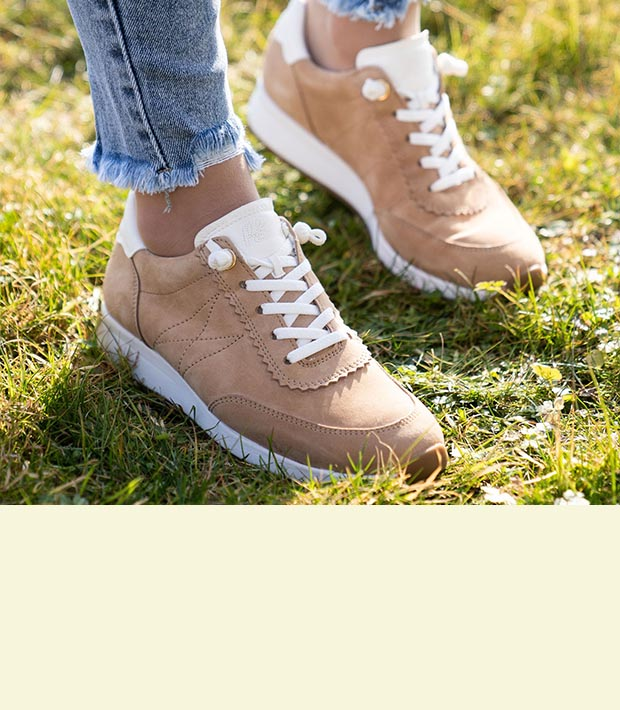 Easy Street Damen Sneaker, Weite H von Deichmann ansehen!